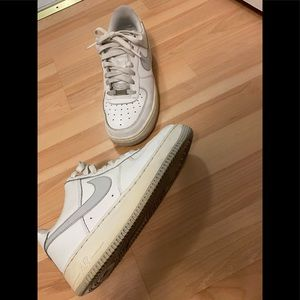 Nike White and Grey Air Force 1 Sz 7.5 Low tops